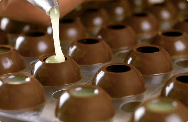 Room 1.3 Indulge with all senses Become a part of the Chocolate Family yourself and learn how to enjoy chocolate with all your senses. Our master chocolatier Giuliano Sargenti will tell you how. You can also try and enjoy it yourself.
